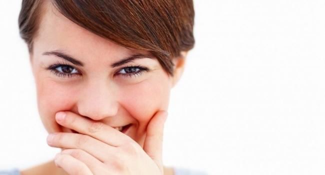 Стесняетесь улыбаться потому что у вас кривые зубы?