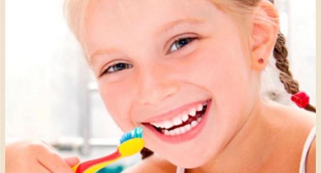 Ребенок и чистка зубов.